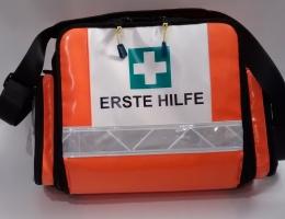 Erste Hilfe Taschen gefüllt